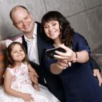 Семейная фотосессия в Твери. Фотосъемка семьи в студии Тверь. Семейный фотограф Роман Какоткин.