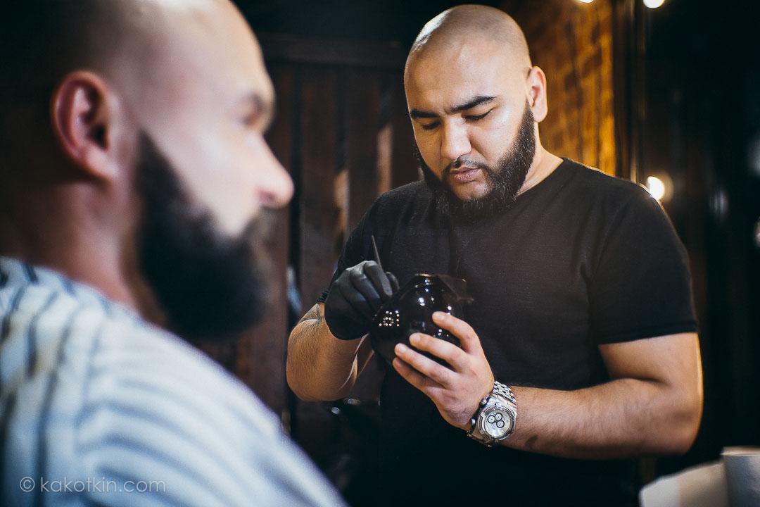 Стрижка бороды и усов мужская парикмахерская чоп чоп барбершоп парикмахер barbershop москва тверь Black Leon Шах