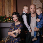 Фотосессия новогодняя семейная в студии Артбаза в Твери фотограф Роман Какоткин
