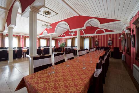 Банкетный зал для свадьбы, ресторан кафе Лира Торжок.